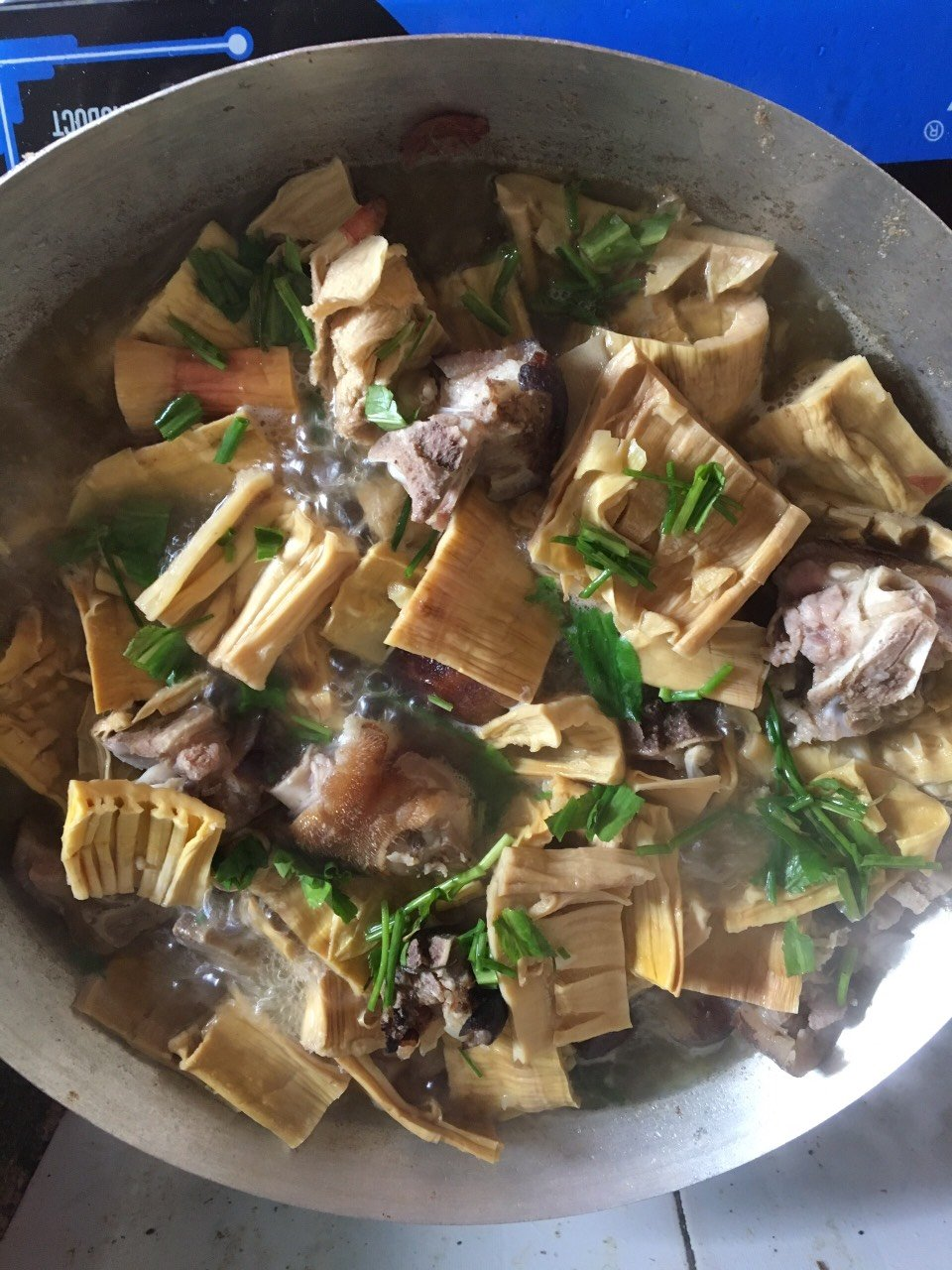 Măng nứa khô làm món ăn hàng ngày